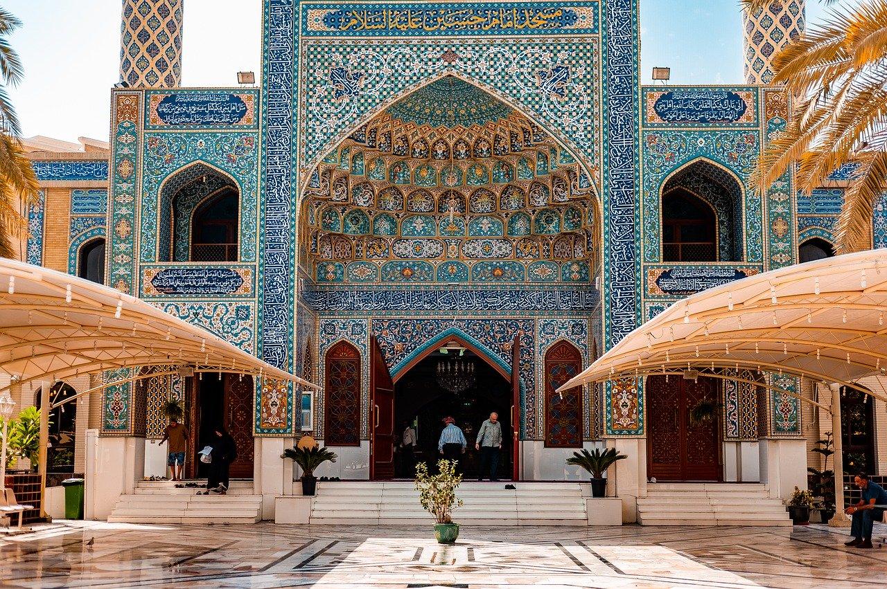 Penser à aller à Dubaï comme destination d'affaire et de découvertes historiques.